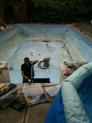 Philip Barlow Pools Swimming Pool Maintenance Company In Maidstone Uk