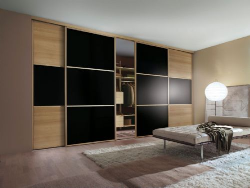Sliding Wardrobe World™, Warlingham