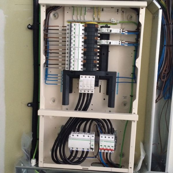 optus electrical electrical contractor in bristol uk three
