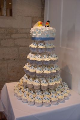 wedding cakes gloucester buttercups bakery cupcake maker in barnwood gloucester uk 24438