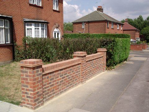 A l s construction builder in bromsgrove uk for Designs for brick garden walls