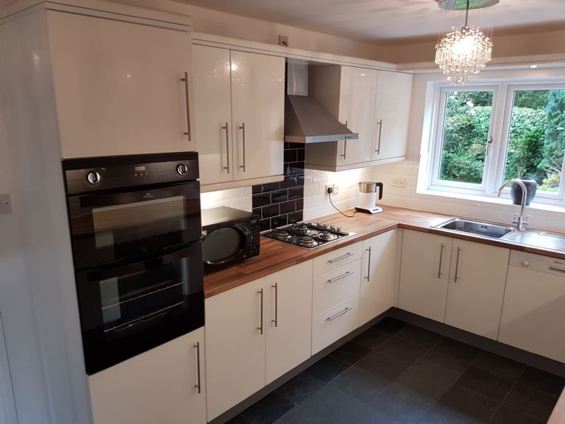 Kitchenwise Liverpool Ltd Kitchen Fitter In Huyton Liverpool Uk Reviews Page 1