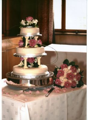 Cake Decorating Classes Tyne And Wear : The Flower Store - Florist in Wallsend (UK)