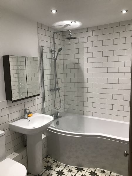 Bee Builders Ltd Bathroom Fitter In Newton Mearns Glasgow Uk