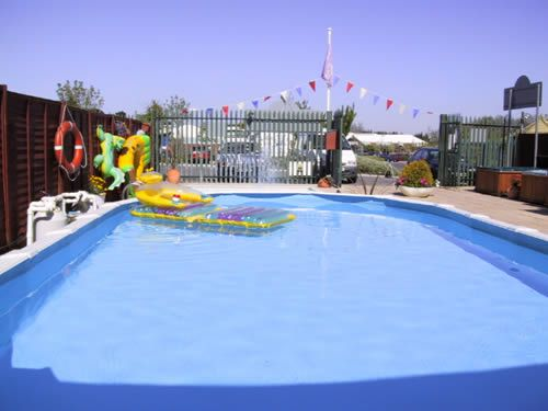 Swan pools ltd swimming pool construction company in for Swimming pool installation companies