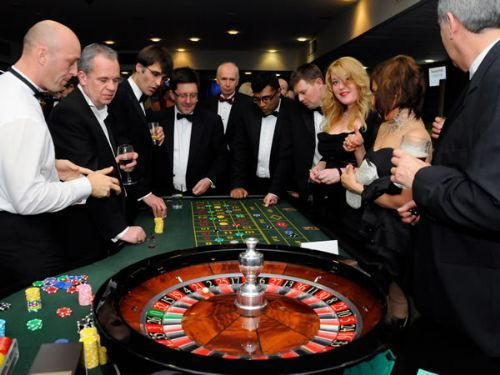 How does a casino party work?