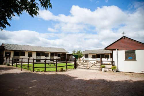 Thurleigh Equestrian Centre Bedford 4 Reviews Horse