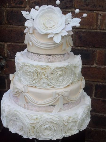bespoke wedding cakes birmingham in cakes wedding cake maker in heath 11269