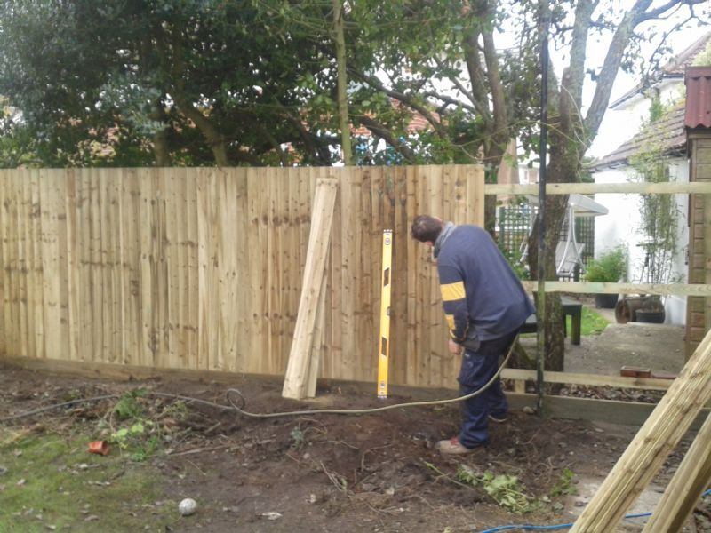 Bournemouth garden fencing gates fencing contractor in for Garden maintenance bournemouth