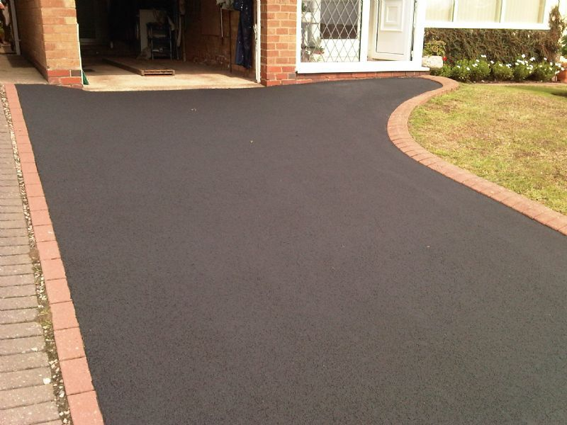 Frosty 39 s cleaning services driveway cleaning company in for Driveway cleaning companies