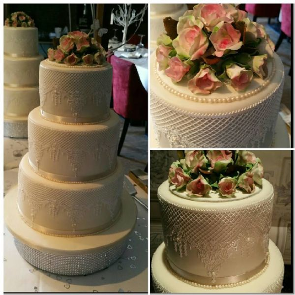 Crumbdiddlyumtious Couture Wedding Cakes