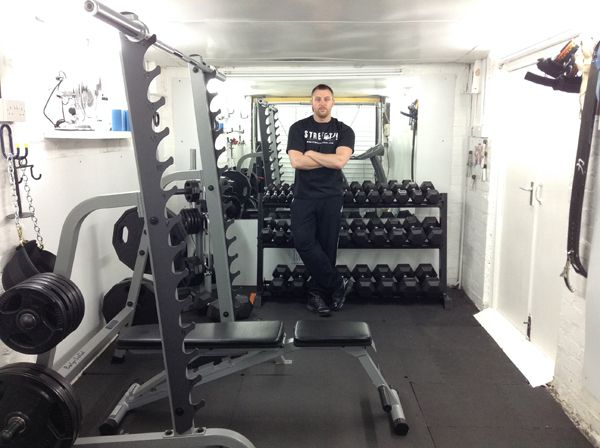 Strength oldschool personal trainer in wishaw uk
