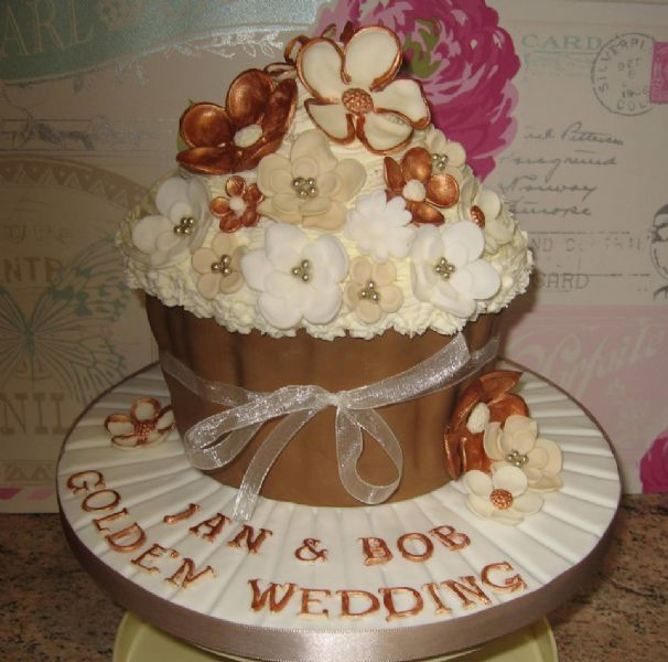 wedding cakes in sheffield crafty creations cakes sheffield wedding cake maker 24778