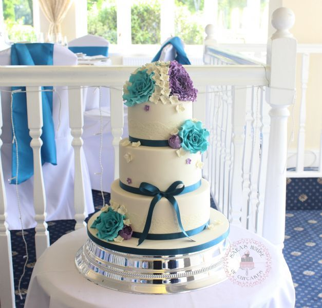 wedding cake maker surrey s house of cupcakes banstead 14 reviews wedding 23206