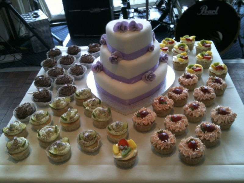 caribbean wedding cake makers uk caribbean cupcakes amp cakes wedding cake maker in 12394