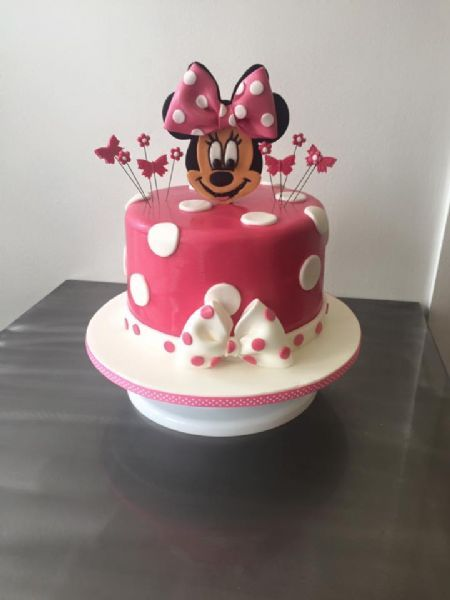 Luscious Lovelies Cakes Cake Maker in Camelon Falkirk UK