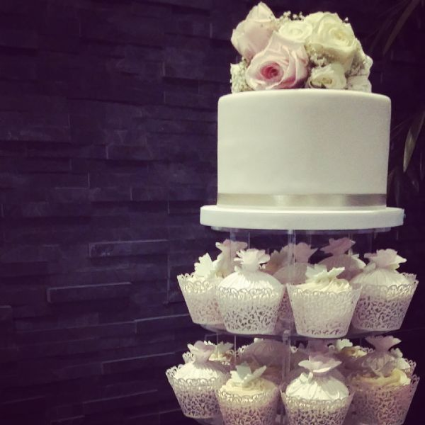 wedding cake makers crawley hetty s cake house crawley 19 reviews wedding cake 23129