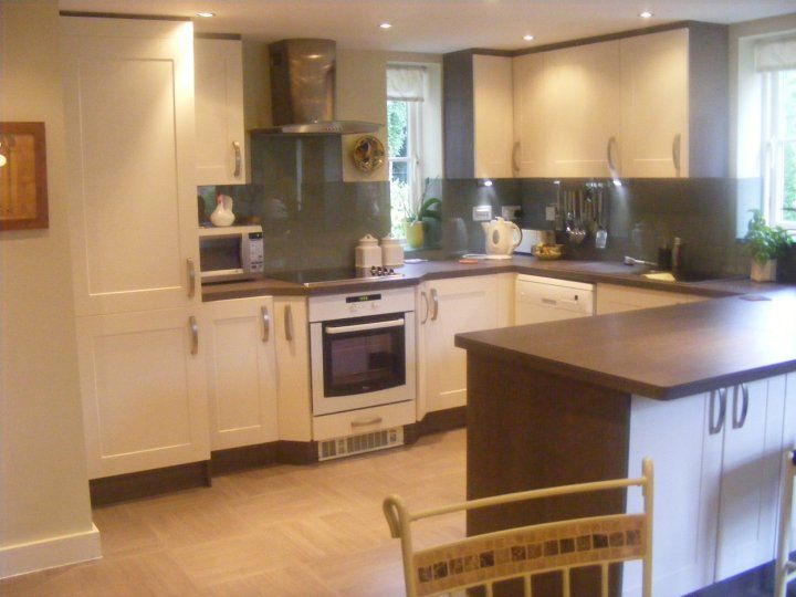 Designer Factory Kitchens Reviews