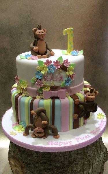 Anita B Cakes Cake Maker in Latton Swindon UK